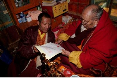 Các Thư Chứng Thực Và Chúc Mừng Đức Yangwo Wan Ko Yeshe Norbu 4