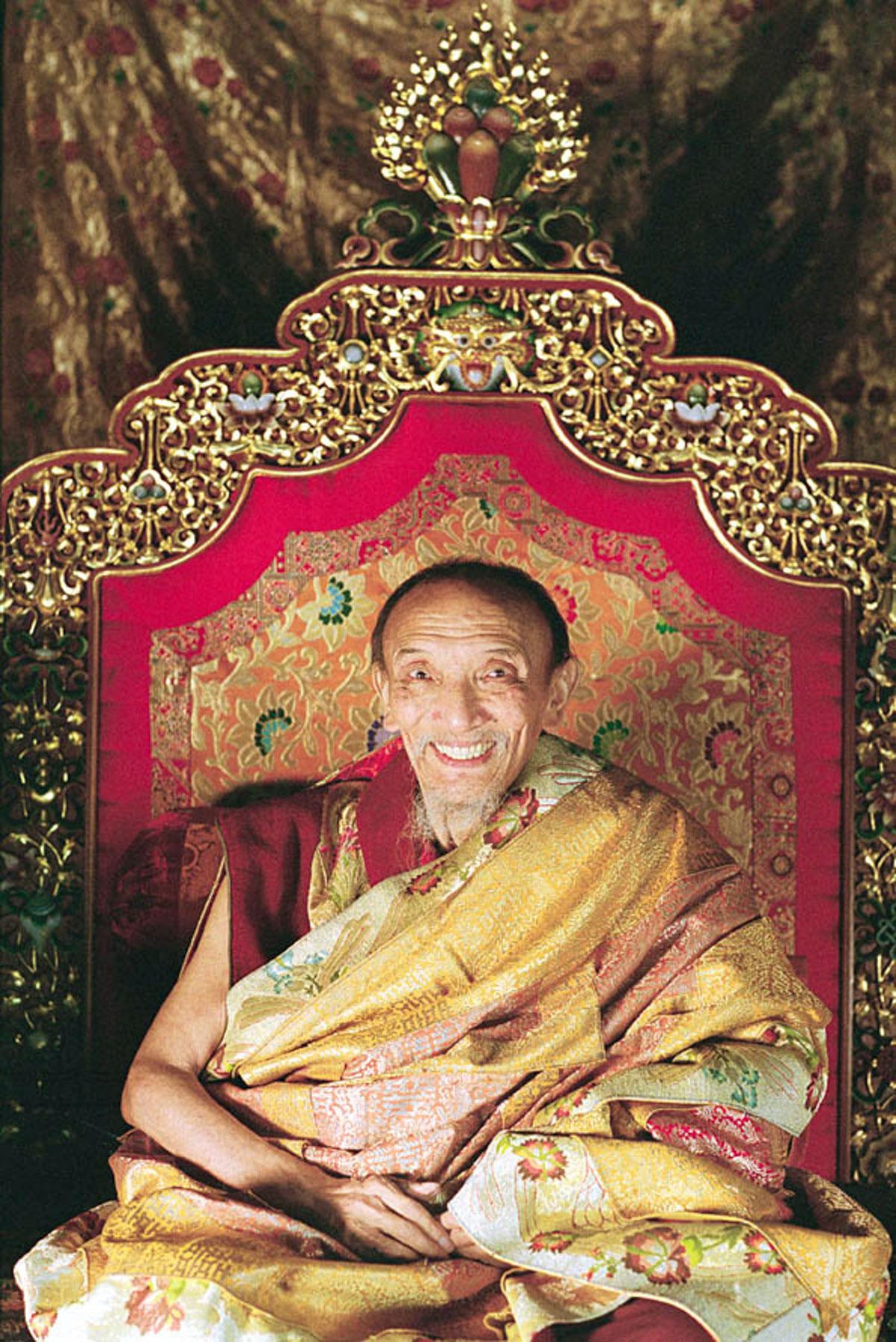 Tóm Tắt Tiểu Sử Thánh Sư Chogye Trichen Rinpoche, Pháp Vương Nhánh Tsharpa Thuộc Dòng Truyền Thừa Sakya 1