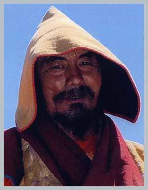 Tóm tắt tiểu sử Đức Xiazhu Qiuyang Rinpoche, Vị tái sinh của Sư Tổ Naropa, người dẫn dắt đáng kính của 100,000 Không hành Nữ (Dakini) 1